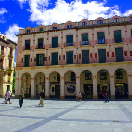 Huesca: ciudad de leyendas