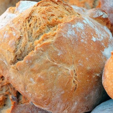 Los vascos comemos menos pan