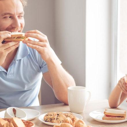 Diez motivos por los que acompañar a tu hijo durante la merienda